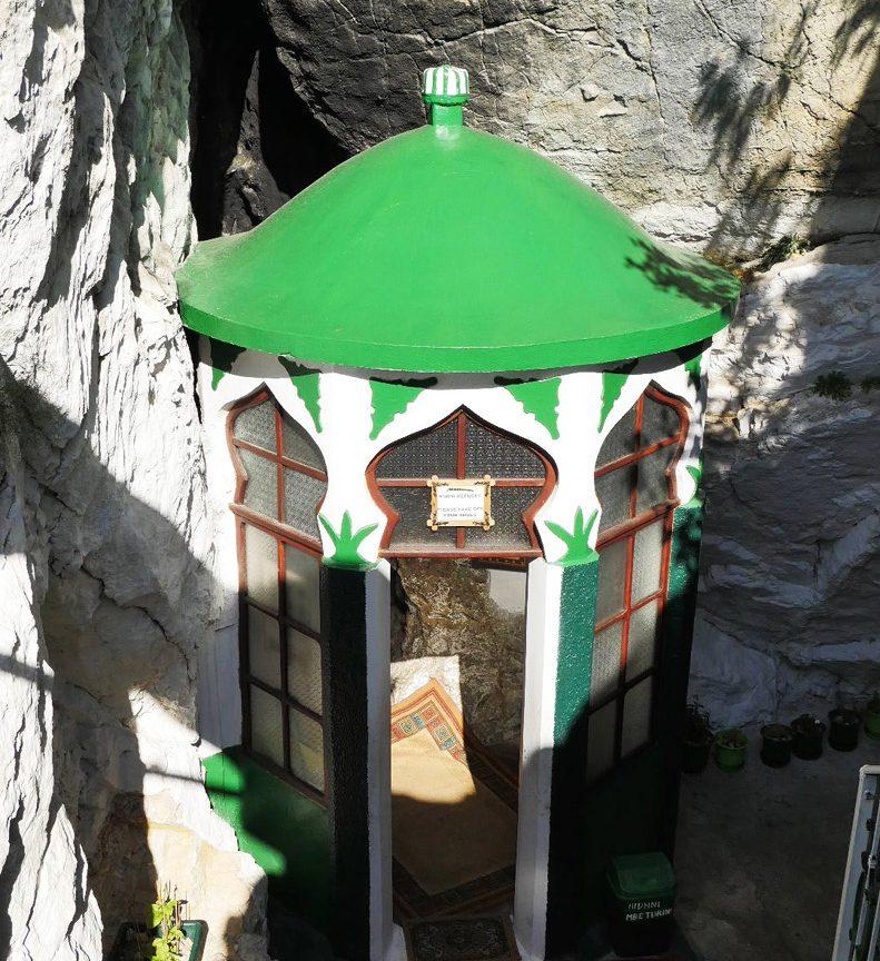 Sarisalltik, Krujë, foto nga IntoAlbania
