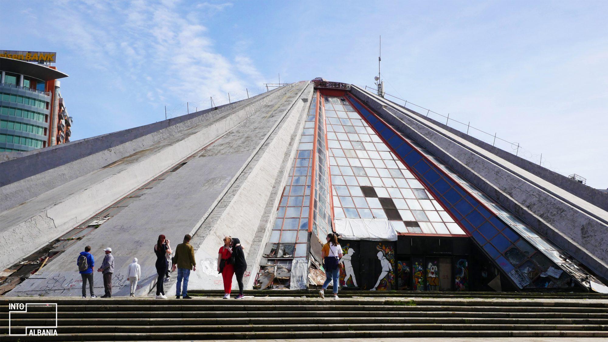 Piramida e Tiranës