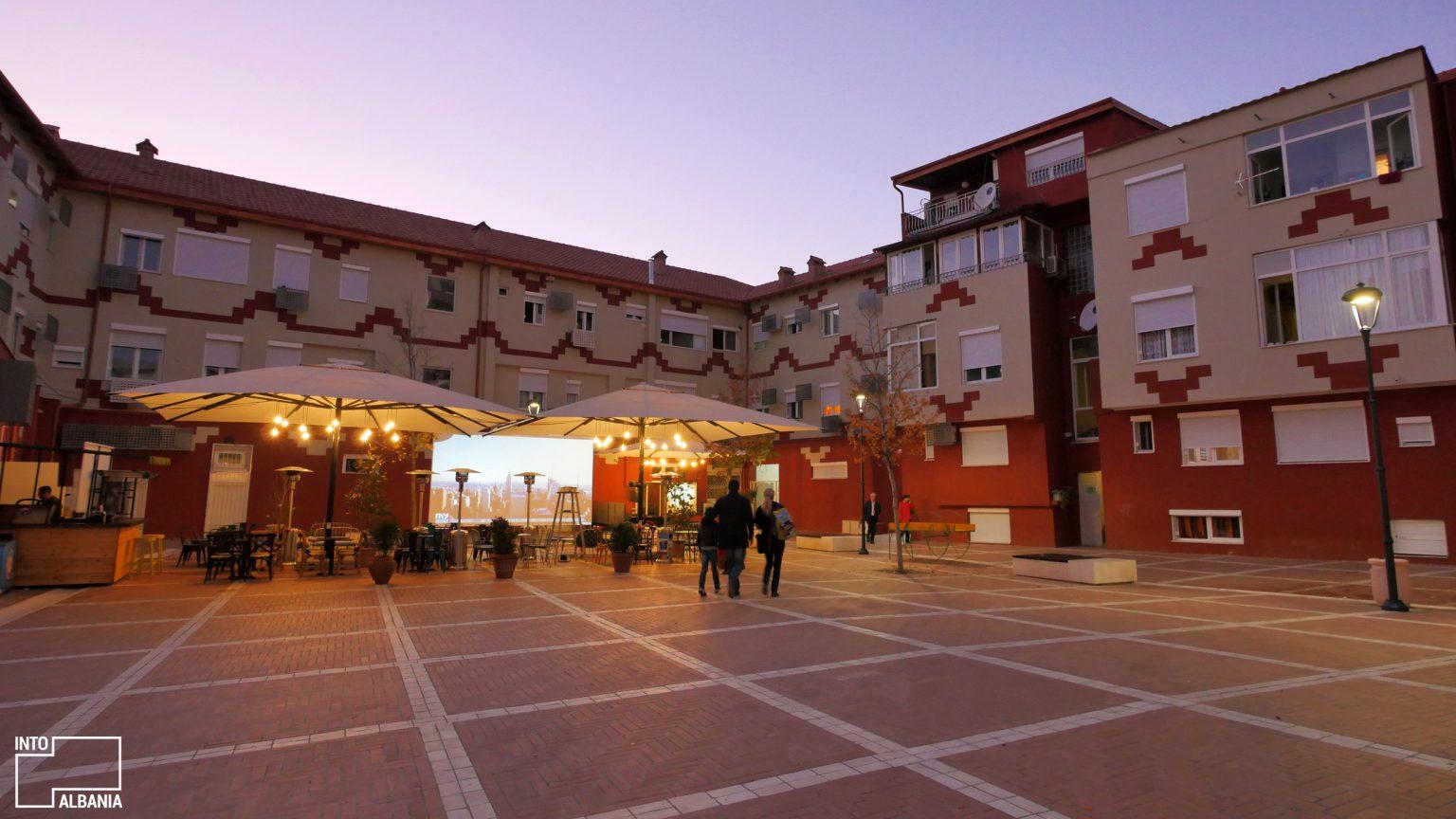 Pazari i Ri, Tiranë, foto nga IntoAlbania