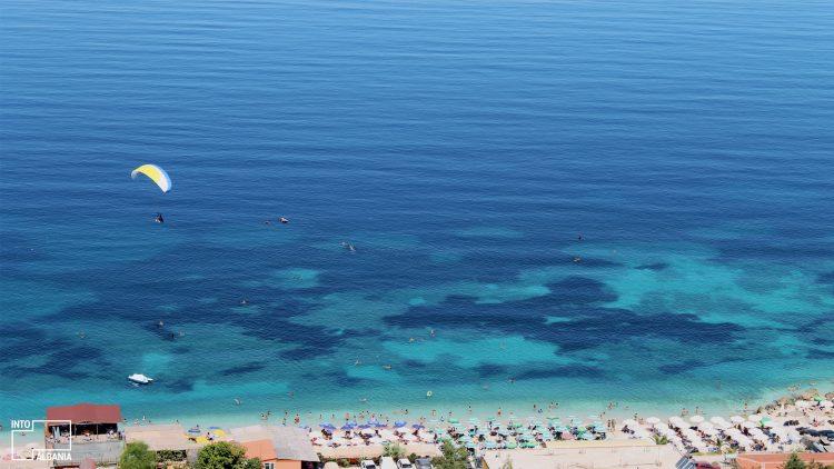 Det, Hedhje me Parashutë në Vlora