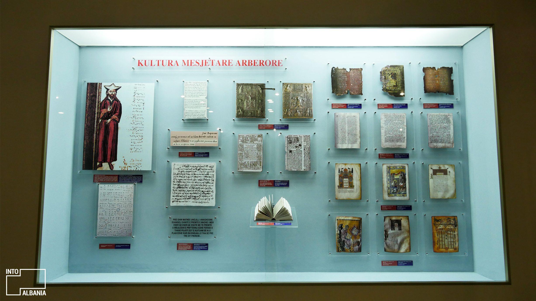 Muzeu Historik Kombëtar, Tiranë, foto nga IntoAlbania
