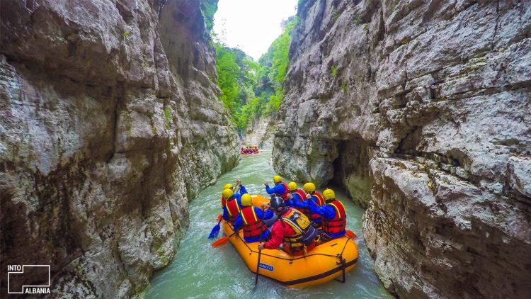 Rafting in Osumi