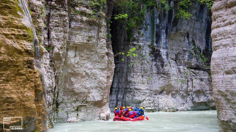 Rafting dhe kayaking në Kanionet e Osumit