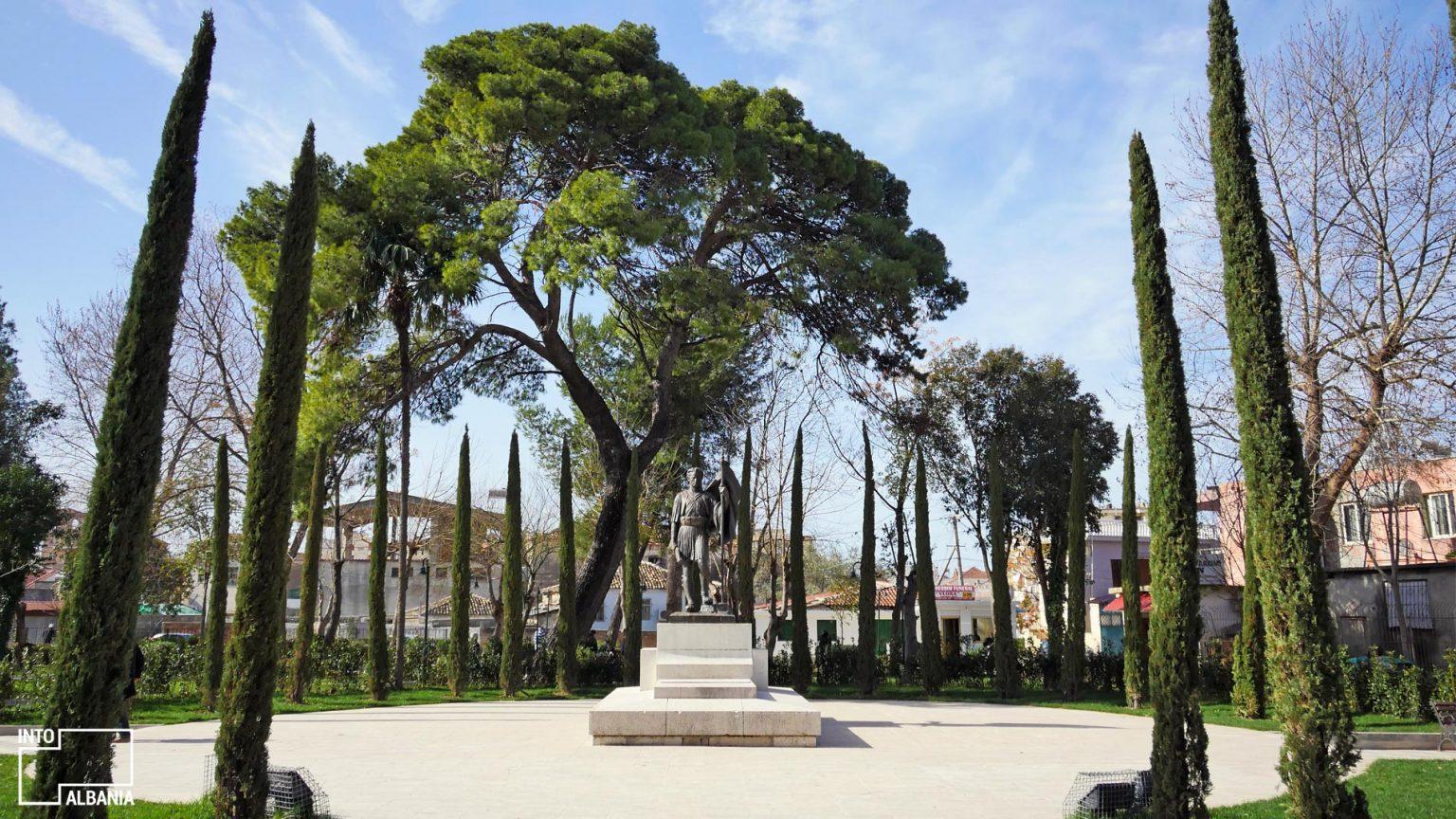 Varri i Ismail Qemalit në Vlorë. Foto nga IntoAlbania