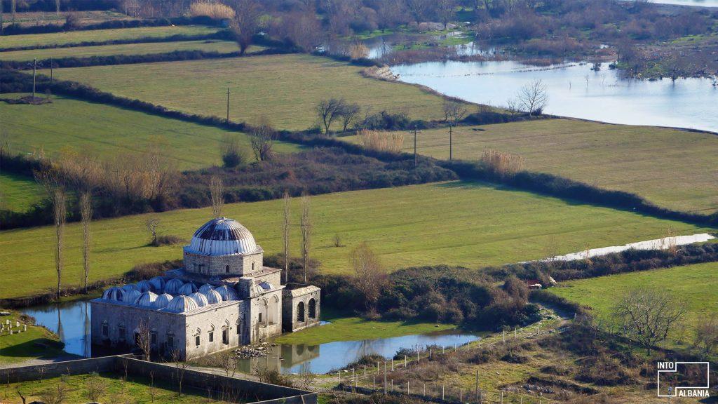 Xhamia e Plumbit në Shkodër, foto nga IntoAlbania